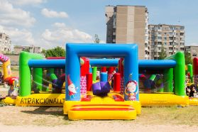 Inflatable Pulp Space - an inflatable designed for children under 4 years.